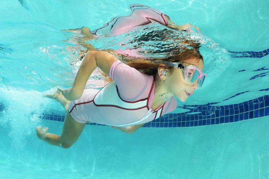 Gehoerschutz-zum-Schwimmen
